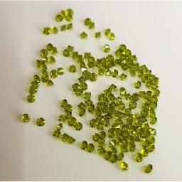 01 Kryształki Do Zdobień Zielone 2 g.