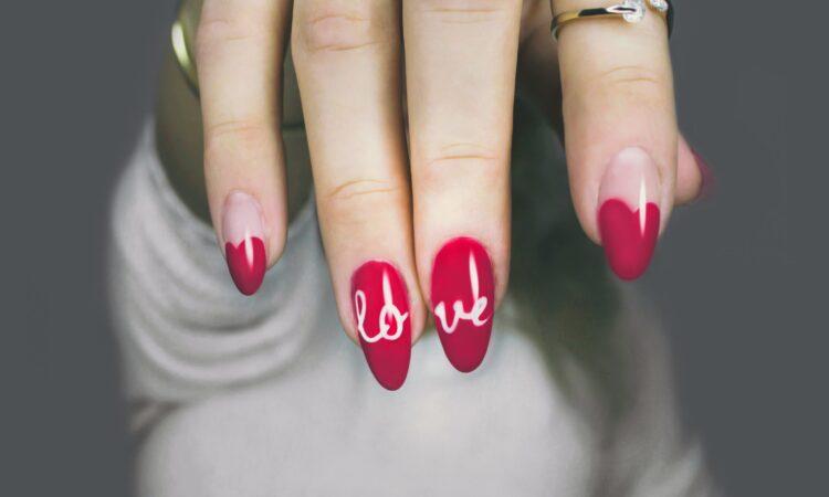 Jaki kształt paznokci wybrać?